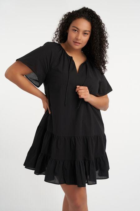 Kurzes ausgestelltes Kleid