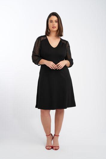 Kleid mit durchsichtigen Ärmeln