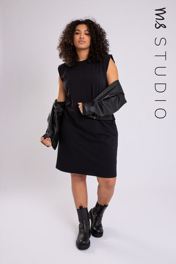 Kleid mit Schulterdetail