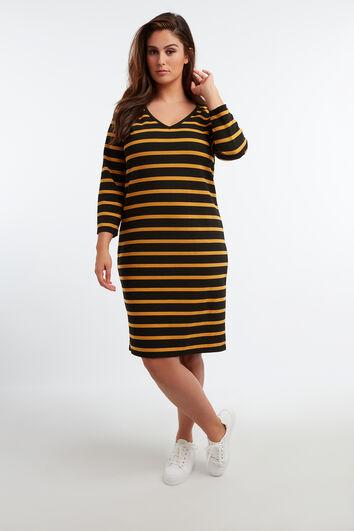 Tailliertes Kleid