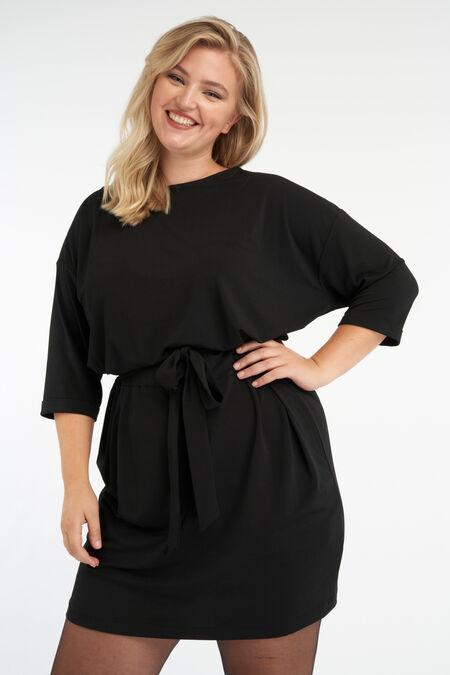 Jersey-Kleid mit Bindegürtel