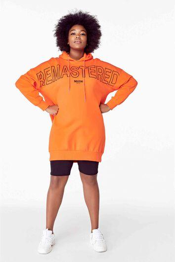 Sweater-Kleid mit Rubber-Print