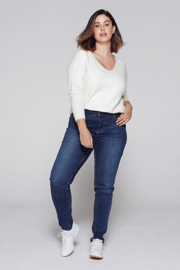 IRIS Slim-Leg Jeans